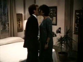 เพศไม่ยอมใครง่ายๆ, เด็กมีเพศสัมพันธ์เด็กใน schoo, retro พร