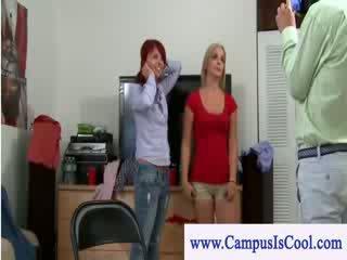 Đọc đầu vs tối haired đại học teenie lezzy giới tính hành động