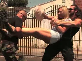 Hustler: karstās blondīne mammīte lisa demarco gets banged grūti