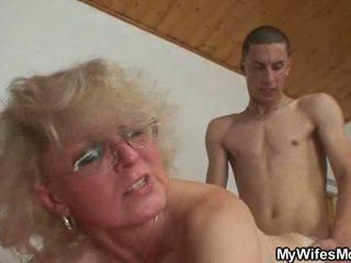 Sex flămând mama wants la dracu cu chap