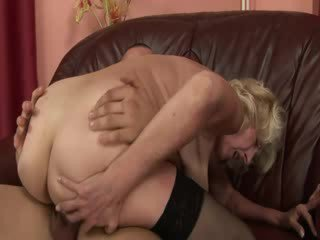 Mature granny enjoy babe dick in pussy and mouth