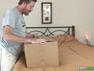 Extra Special Delivery with Elizabeth Bentley