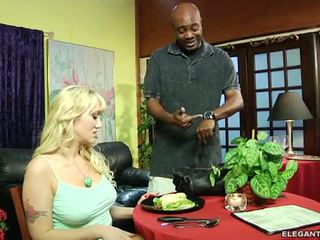 Alana evans anally demanding klant