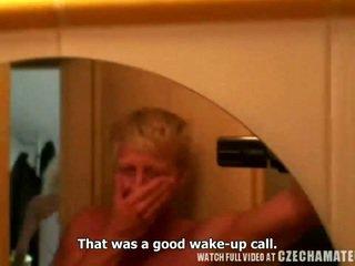 Nauw geil blond chick gets ochtend verrassing