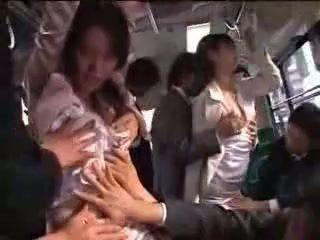 Japansk jente tvang på tog