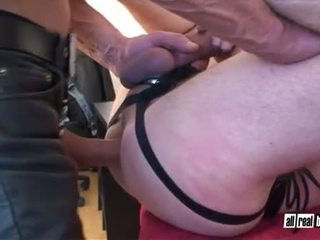 Leder daddy pounding
