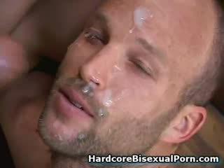 Muskulös bisexuals fick heiß mädchen!