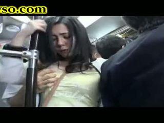 Milf being gefickt auf bus