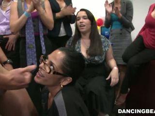 Kancelária nymphs having birthday párty beeg