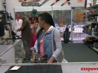 Bbw metres arap gets pounded tarafından pawn kaleci için the japon clubs