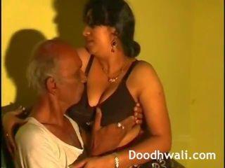 Nākamais durvis desi bhabhi fucked līdz tēvs uz likums leaked tiešsaitē