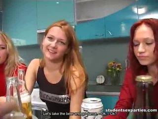 Sekoittaa of movs mukaan opiskelija porno parties