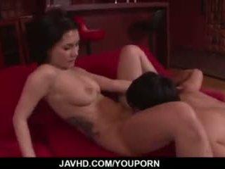 Maria ozawa receives खुशी नीचे उसकी हेरी प्यार hole