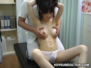 Jovem grávida climax breast massagem 2