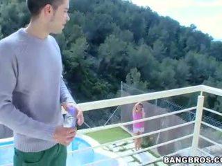 Playgirl gives hunk een carnal en moist fellatio