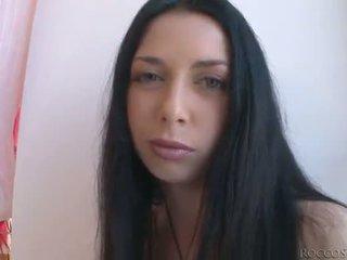 De insatiable rocco siffredi fucks 3 blondes en een zwart haired