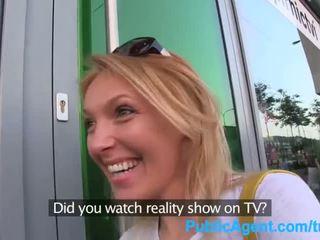 Publicagent she gets spit-roasted outdoors to get hakykat tv job