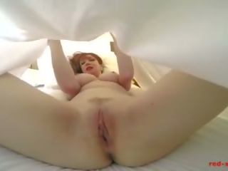 Red-xxx - Milf Red Gets Finger Banged Under the Sheets