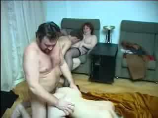 Familia incest sexo orgía