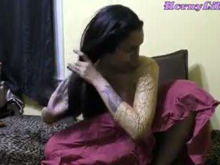 Καυλωμένος/η lily ινδικό bhabhi diwali ρόλος παιχνίδι σε hindi: πορνό 09