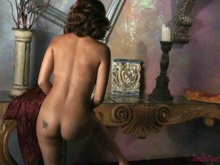 Lusty Nympho Mari Possa Shows Her Perfect Body
