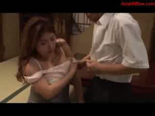 Tłusta cycate mamuśka giving robienie loda getting jej cycki fucked cipka licked przez mąż na the podłoga w the pokój