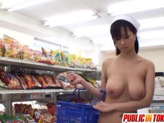 Vollbusig mieze sayuki kanno gefickt im super markt