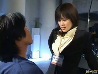 日本語 av 巨乳