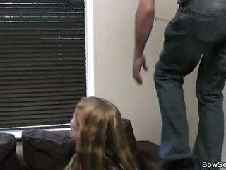 Vợ leaves và anh ấy cheats với mũm mĩm cô gái tóc vàng