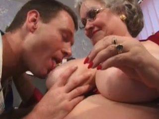 Vēders par šī liels, liels vecmāmiņa