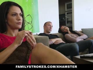 Familystrokes - fucked ne můj bro na film noc: porno c0