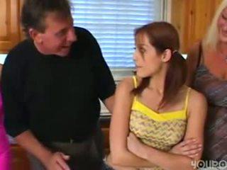 I vjetër hap baba seduced i ri e lezetshme adoleshent vajzë
