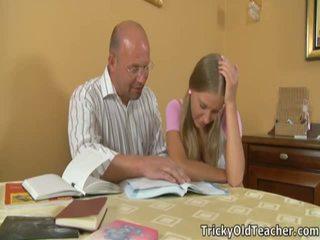 Marvelous смесени момичета момчета pleases тя immoral учител.