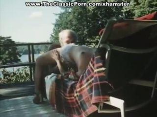 Старий людина fucks younng ретро леді