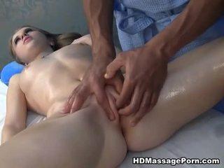 Massage ending en giclement