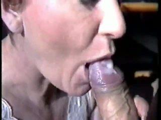 Великий сперма в її mouh відео