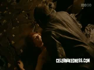Celeb carice van houten naken på spel av thrones röd huvud
