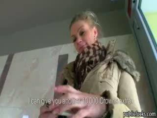 Iso tiainen eurobabe adele perseestä varten raha