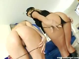 Phoenix marie & harmony rose slutty tyłek lickers