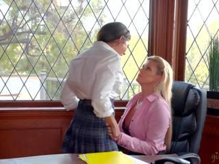 25yo lesbiete vēl wants līdz palikt uz augsts skola: hd porno c3