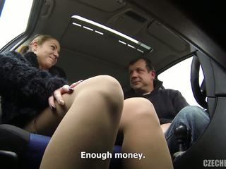 Shameless girlfriend gets fucked in the taxi.