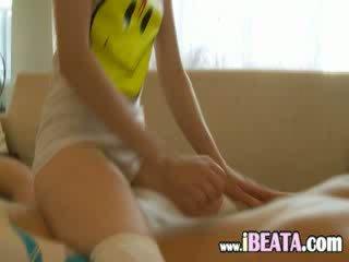 Cumming tovább neck a én breasty barátnő