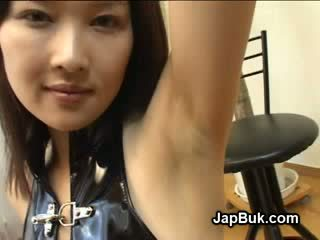 Cumshot on armpit of japanese girl