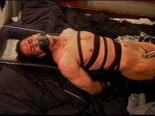 Ekstrem vacuum pumping siksaan alat kelamin pria di muscle guy