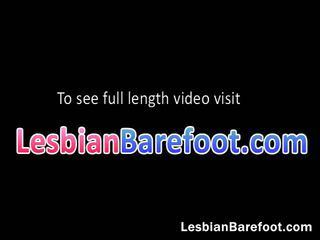 Heet lesbiennes kussen en neuken