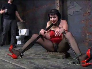 मास्टर होती हे torturing लड़कियां कंट