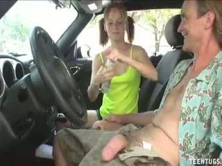 Kimainen teinit vauva runkkaus sisään the auto täysi video-: http://adf.ly/1tv6mk