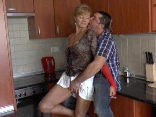 Haarig deutsch großmutter loves anal - r9