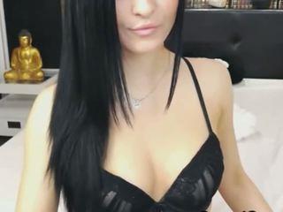 Kauniita nokan vauva saada alasti ja masturbate