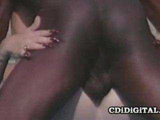 Lynn lemay रेटरो blondie pleasing एक ब्लॅक dong